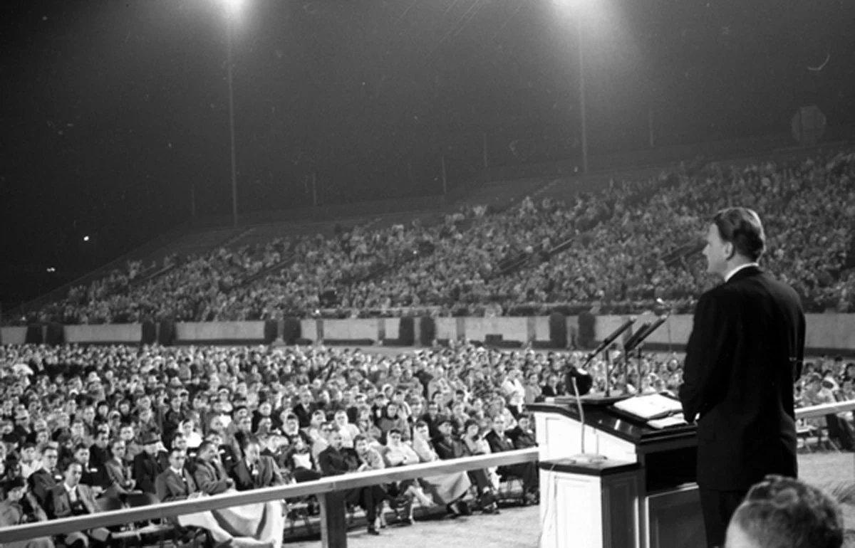 Bill Graham speaking at Doak Campbell Stadium